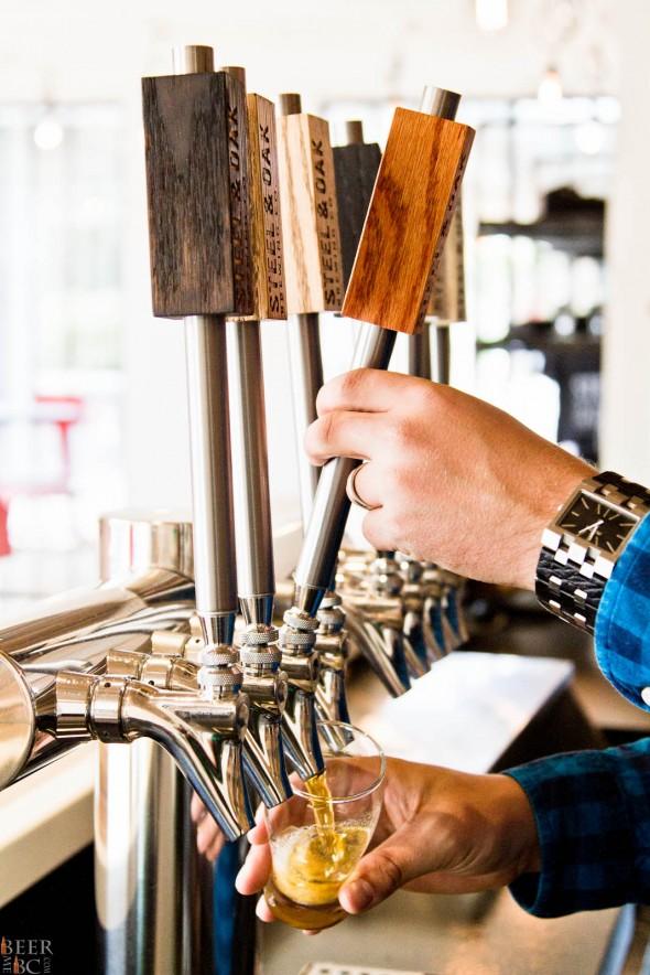 Steel & Oak Brewery Tasting Room Beer Pour