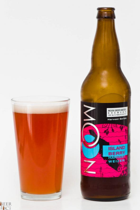 Moon Under Water Brewery – Island Berry Harvest Weizen Review