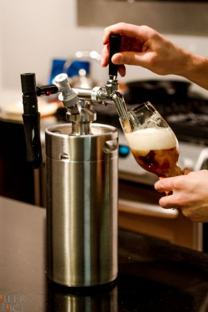 The Perfect Pour Man Can Growler System