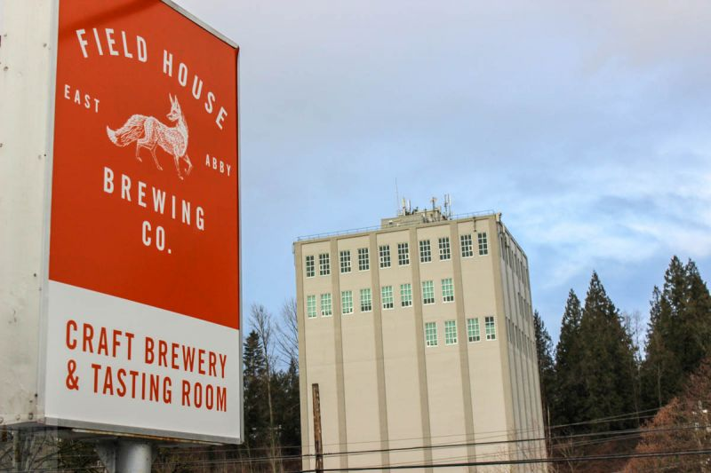 Fieldhouse Brewing Sign
