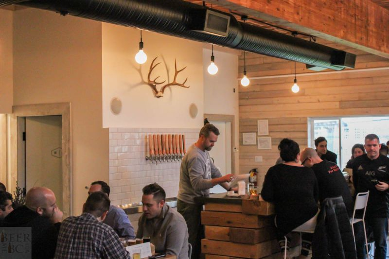 Fieldhouse Brewing Tasting Room Bar