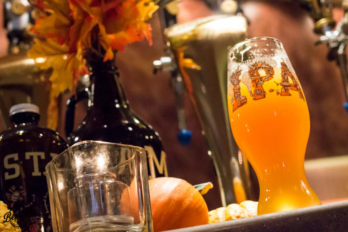Steamworks Flagship IPA Glass and Growlers