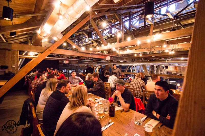 Hearthstone Brewery Brewmasters Dinner Group Wide Shot